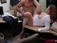Business Lady gets trick into having sex