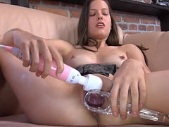 Czech model gaping her amazing vagina